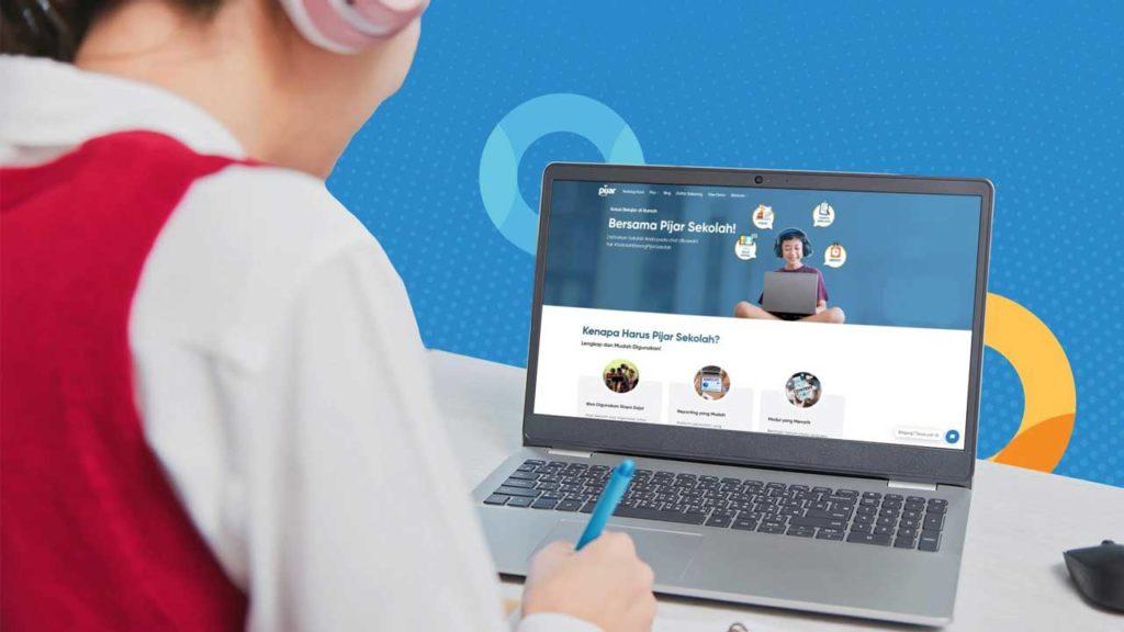Pembahasan lengkap mengenai sekolah online, Pembelajaran Jarak Jauh (PJJ) dan E-learning dari pengertian serta tahap detail cara mengimplementasi sekoalh online